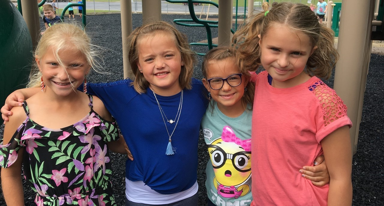 Group of 3rd grade girls